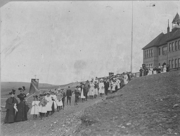 Lincoln Elementary 1898 with procession of school children