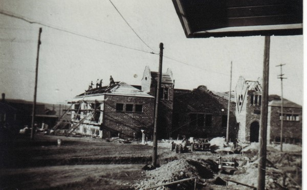 Highland Park School under construction in 1917